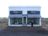 Prada_marfa_with_blogger